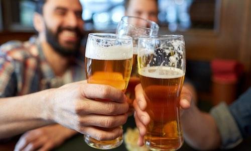 CityGames Flensburg JGA Männer Tour: Biergrüßung zum Start der Tour Sekt Softdrink möglich
