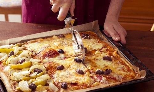 CityGames Flensburg Firmen Team Pro Tour: Pizzablech mit leckerer Pizza zum Tourfinale