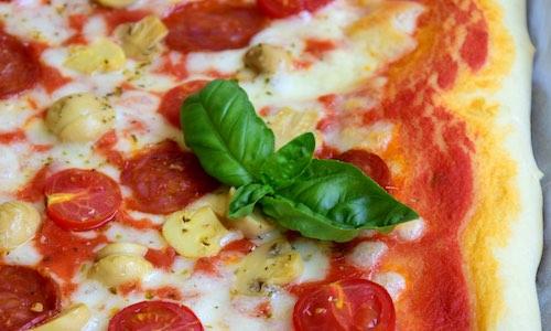CityGames Flensburg Party Sightseeing Tour: handgemachte leckere Pizza nach der Tour